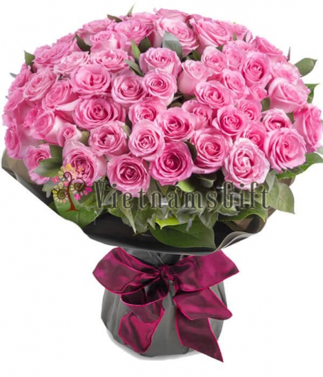 One Hundred Roses in Bouquet